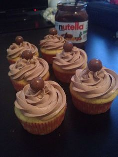 Cupcake Recipes 219972763028528447 - Cupcakes nutella Source by Fouziaaa Easy Cheesecake Recipes, Pumpkin Cheesecake, Easy Cake Recipes, Cupcake Recipes, Snack Recipes, Brownies Cheesecake, Frosting Cupcake, Cupcakes Fondant, Cupcakes Amor