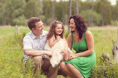 Relaxed family pose - hulahoop children's photography