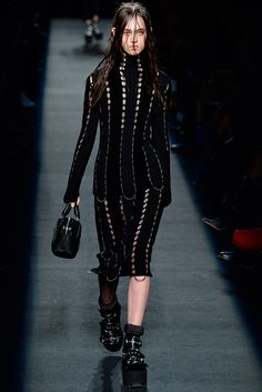 Alexander Wang - Fall 2015 Ready-to-Wear - Look 27 of 44?url=http://www.style.com/slideshows/fashion-shows/fall-2015-ready-to-wear/alexander-wang/collection/27