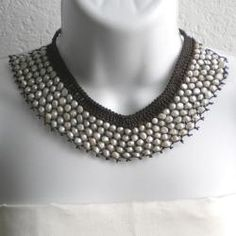 Handmade White Freshwater Pearl Bib Necklace (7-11 mm) (Thailand)