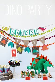 Is your kids obsessed with dinosaurs? Then we have the decorations, games and free dinosaur party free printables you need!