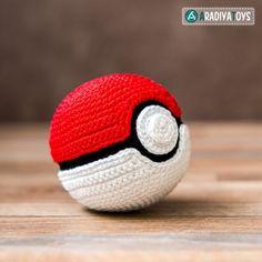 """Pokeball (""""Pokemon"""") Amigurumi Pattern"""