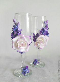 Бокалы для свадьбы, с сиренью и розами.