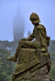 Highland Light Infantry Monument in Glasgow's Kelvingrove Park, Scotland; photo by Karl Williams