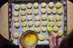 Megtaláltuk a legfoszlósabb pogácsa módszerét Food, Essen, Meals, Yemek, Eten