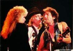 too bad that this photo is so small, but it's rare as Stevie is onstage with Tom Petty and Bob Dylan ~ ♪♫☆❤☆♫♪ ~
