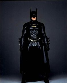Promo shot of as Batman in Batman Forever Why nipples on the Batsuit? Batman City, Batman And Batgirl, Batman Comics, Batman Robin, Superhero Cosplay, Superhero Movies, Batman Cosplay, League Of Heroes, Batman Art