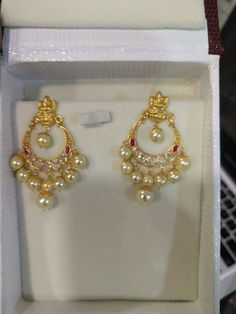 bridal jewelry for the radiant bride Gold Jhumka Earrings, Indian Jewelry Earrings, Jewelry Design Earrings, Gold Earrings Designs, Bridal Jewelry, Small Earrings, Pearl Jewelry, Gold Necklace, Kids Gold Jewellery