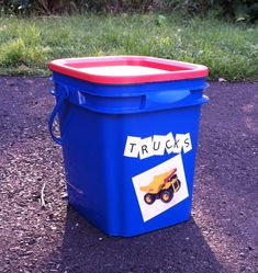 Upcycled Stuff: Kitty Litter Box Turned Quickie Toy Box