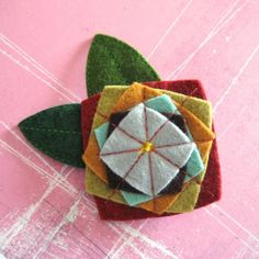 Pretty idea for fabric flowers Miles of Squares Felt Pin by pinksparrow on Etsy Fabric Brooch, Felt Brooch, Felt Fabric, Felt Diy, Felt Crafts, Fabric Crafts, Felt Embroidery, Felt Applique, Textile Jewelry