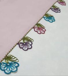 Fashion Design Sketches, Crewel Embroidery, Filet Crochet, Elsa, Tassels, Diy And Crafts, Shoulder Bag, Crochet Edging Patterns, Crochet Edgings