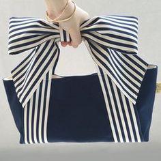 Ribbon Tote * mignon (Navy Stripe x Navy Canvas) / .- Ribbon Tote * mignon (Navy Stripe x Navy Canvas) / … – Bags – Diy Bags Purses, Diy Purse, Purses And Handbags, Bag Patterns To Sew, Fabric Bags, Cute Bags, Navy Stripes, Handmade Bags, Diy Clothes
