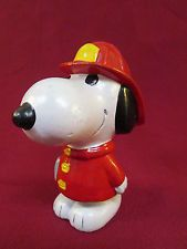 """Vintage Original Peanuts Snoopy Firefighter Ceramic Bank Made In Taiwan 6"""" Tall"""