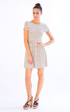 Rock a summer day dress - casual, pretty and flattering! What else would we want?