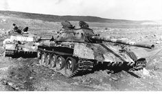 A British soldier takea a photo op among these Panther V Auaf G tanks knocked out in the Ardennes during December 1944 Tank Destroyer, Ww2 Tanks, British Soldier, War Machine, Photos Du, World War Ii, First World, Military Vehicles, Wwii
