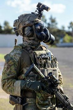 Australian Army soldier from Commando Regiment at Avalon Airport, Victoria, during counter-terrorism training in May Special Forces Gear, Military Special Forces, Future Soldier, Army Soldier, Military Love, Military Weapons, Australian Special Forces, Australian Defence Force, Army Wallpaper