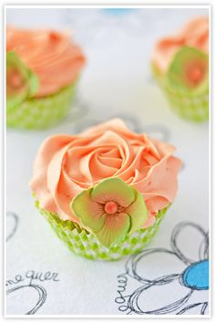 Beautiful Peach & Green Flower Cupcake