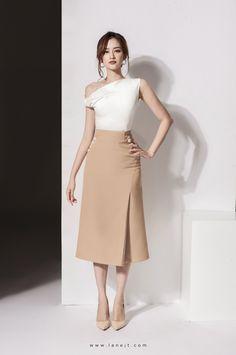 12 ideas for silk dress classy style Elegant Outfit, Classy Dress, Classy Outfits, Stylish Outfits, Simple Dresses, Casual Dresses, Short Dresses, Fashion Dresses, Fashion Fashion