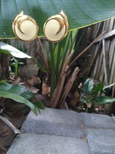 Vintage 1980s Monet© Cream & Gold Swirl Earrings by LeFringeCollection on Etsy