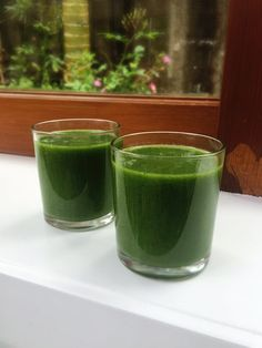 Baby cavolo nero, banana, spirulina and natural apple juice