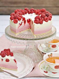 Cake Simple, Ombre Cake, Calzone, No Bake Desserts, Vanilla Cake, Cake Toppers, Panna Cotta, Raspberry, Cheesecake