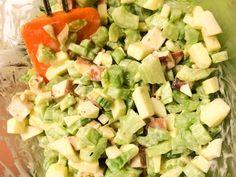 Makkelijke bleekselderij, appel gerookte kip salade Marions Recepten, een en al recepten en gerechten! Types Of Salad, Poke Bowl, Fodmap, Ham, Potato Salad, Foodies, Salads, Easy Meals, Food And Drink