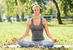 Que a música possui poder de relaxamento, bem estar e até cura não há dúvidas, e a musicoterapia e outros tratamentos envolvendo música e som são efetivos e bastante utilizado. É claro que tal efeito está diretamente ligado ao gosto pessoal de quem ouve – ou, ao menos, era o que parecia. Uma pesquisa de um laboratório de neurociência da Inglaterra descobriu as 10 músicas mais relaxantes do mundo. Segundo a pesquisa, a música que ficou em primeiro lugar reduziu em até 65% o nível de ansiedade…
