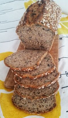 SEMIENKOVÁ TEHLIČKA | Lenka Pillárová - BLOG Keto Bread, Bread Baking, Tasty, Yummy Food, Bread And Pastries, Frappe, Bread Recipes, Banana Bread, Bakery