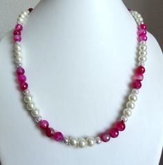Rose agate & ivory pearl necklace #Beads #Necklace #Pears #Round #Pattern