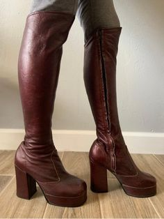 Vintage oxblood leather platform over-the-knee zip-up disco boots, size Chain Crossbody Bag, Vintage Boots, Oxblood, High Boots, High Heels, Brown Boots, Over The Knee Boots, Fashion Boots, Zapatos