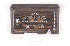 #Caja #conjunta# boda Eliseo y Carmen. #Portaanillos y #portaarras en una sola caja, #personalizada y pintada a mano, temática el #cine. www.lolagranado.com