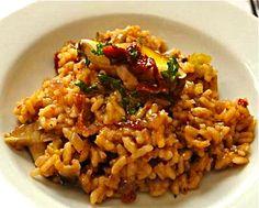 Mushroom & Sun-Dried Tomato Risotto w/ Rosemary & Black Truffle Oil | #glutenfree #dairyfree #vegetarian
