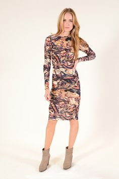 Printed in all the colors of Autumn, YFB Lulu Dress is a great way to welcome the new season.