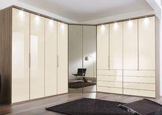 Corner Wardrobe Closet, Bedroom Built In Wardrobe, Wardrobe Room, Bedroom Closet Design, Bedroom Cupboard Designs, Bedroom Cupboards, Wardrobe Door Designs, Closet Designs, Bedroom Furniture Redo
