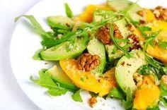 Se inspire em cinco opções diferentes de saladas para fugir do tradicional alface, tomate, pepino e cebola