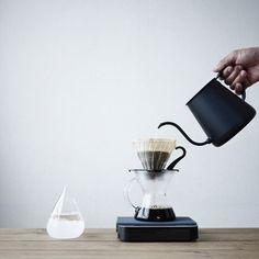 コーヒー専門店のプロや、喫茶店オーナーも愛用するという「タカヒロ」のコーヒーポット。シックなデザインが素敵ですね。