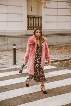 Black floral print midi dress+balck ankle strap heels+pink fur long coat+black and gold handbag. Fall Dressy Casual/ Celebration/ Date Outfit 2018 Runway Fashion, Fashion News, Fashion Trends, Green Wedding Guest Dresses, Luxury Brand Names, Holiday Fashion, Holiday Style, Brand Name Clothing, International Style