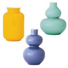 Bring a pop of color to any room with our Chinese Mini Vase Set. Inspired by original designs from the Qing dynasty, these elegant vases are handmade in Jingdezhen, China.