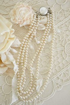Pearls and lace Pearl Love, Pearl And Lace, Pearl Jewelry, Jewelery, Fine Jewelry, Pearl Rings, Belle Epoque, Vintage Lace, Vintage Jewelry
