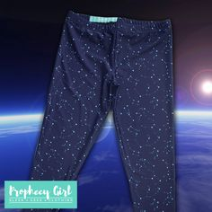 Ideal for sci-fi themed outfits, these deep blue leggings are covered in bright star constellations. They'll look great with your favourite geeky tee or hoodie.