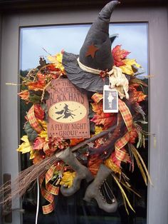 """""""The Society of Black Hats"""" XXL Primitive Halloween Wreath Decoration Halloween Trees, Holidays Halloween, Halloween Crafts, Primitive Halloween Decor, Halloween Door, Halloween Stuff, Happy Halloween, Fall Crafts, Holiday Crafts"""