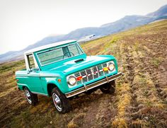 1976 Ford Bronco Ranger - she's a beauty!!