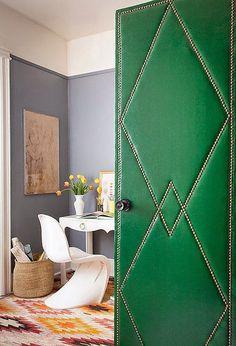 Puertas tapizadas o forradas · Upholstered doors Diy Interior Doors, Home Interior, Simple Interior, Luxury Interior, Modern Interior, Interior Architecture, Porta Diy, Casa Pop, Door Design