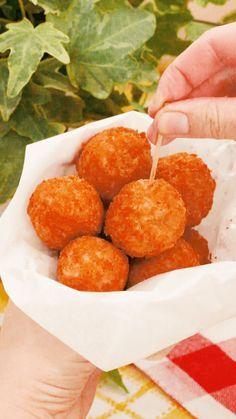 コンビニで人気のあの味が家庭で作れます♪外はカリッ、中はジューシーな唐揚げボールは何個でも食べられちゃう!