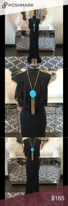 6 Shore Road Maxi Dress Beautiful 6 Shore Road Maxi dress. Stunning ruffle details throughout. Tie waist shows of your curves and hugs your body in all the right places. Drapes and flows effortlessly. Perfect for date night! 6 Shore Road Dresses Maxi