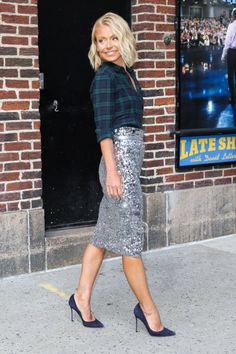 """Kelly Ripa's """"Late Show With David Letterman"""" outfit is ON POINT"""