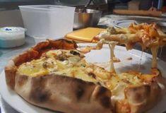 Γαλλία : Σεφ κατέρριψε ρεκόρ Γκίνες βάζοντας 254 τυριά σε μια πίτσα | My Review Types Of Cheese, How To Make Pizza, French, Ethnic Recipes, Food, French Language, Hoods, Meals, French Resources