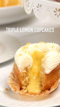 Lemon Dessert Recipes, Lemon Recipes, Easter Recipes, Baking Recipes, Mini Desserts, Chocolate Desserts, Just Desserts, Food Cakes, Cupcake Cakes