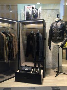 Belstaff Schaufenster im Gränicher Urban Fashion in Luzern. Leder Jacken von und mit David Beckham. Shops, Belstaff, David Beckham, Wardrobe Rack, Furniture, Home Decor, Fashion Styles, Retail Space, Lucerne