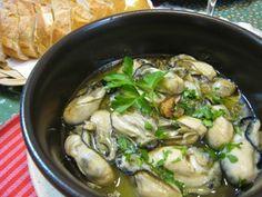 牡蠣のアヒージョ(オイル煮)